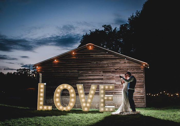 LOVE wedding lighting